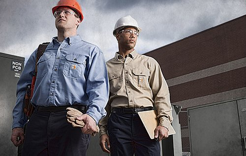 General contractors in long sleeve button up carhartt shirts